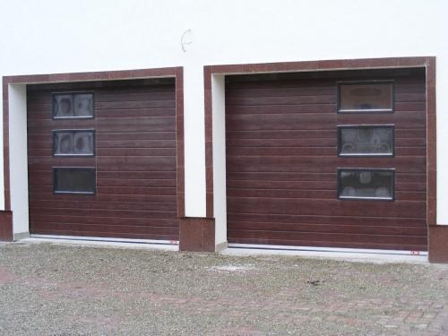 Usi de garaj rezidentiale sau industriale, cu actionare manuala sau automata cu motor cu 2 telecomenzi